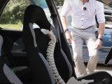 VIDEÓ: Így ülj helyesen a kocsiban, ha hátfájós vagy. Szakember mondja el, hogy hogyan kerüld el a gerincműtétet