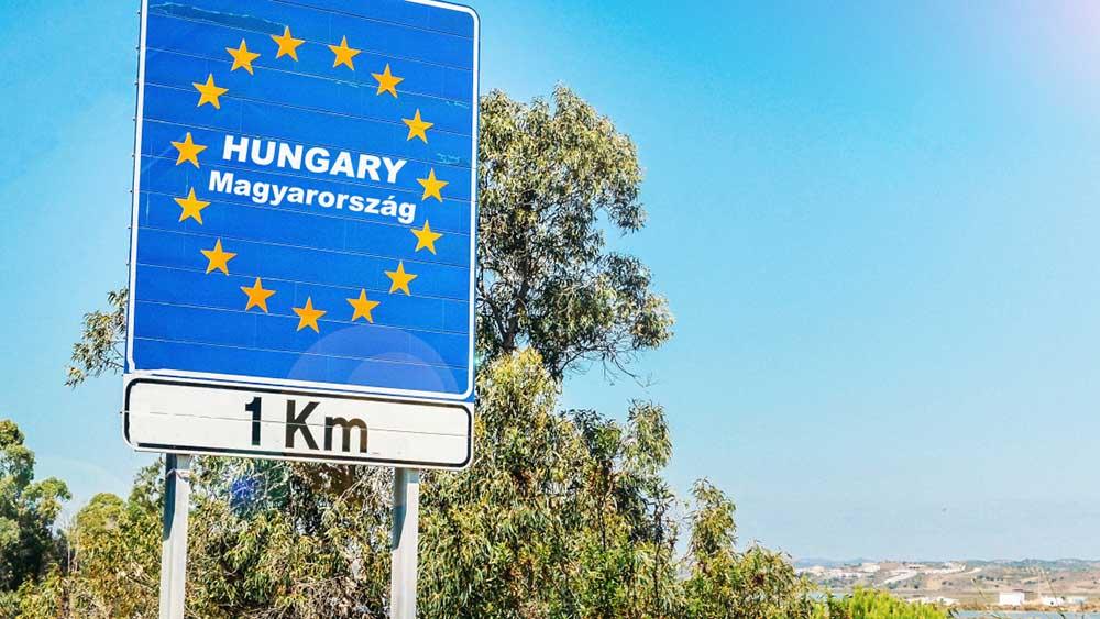 Akkora dugó lett a magyar-szlovák határon hogy a rendőrök inkább nem kértek formanyomtatványt a magyarországi belépéshez
