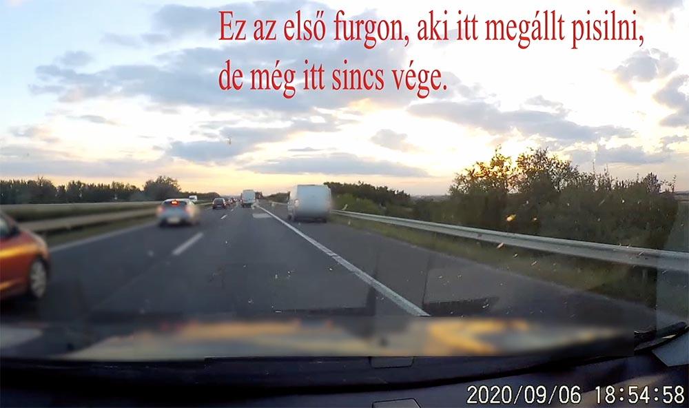 VIDEÓ: Ha már úgyis végig ott haladt, dobott egy sárgát az M3 leállósávban. Aztán folytatta útját…