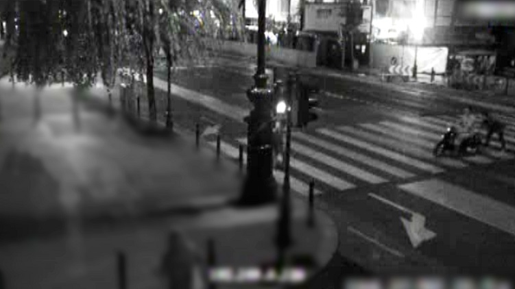 Videón egy budapesti robogólopás. A rendőrség keresi a feltételezett elkövetőt