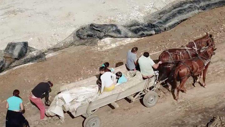 VIDEÓ: Egy éppen arra repülő drón buktatta le a tolvajokat, akik egy épülő román autópálya építőanyagait lopták