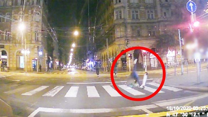 VIDEÓ: Hatalmasat esett a rolleres, így neki már nem sikerült átmenni a nagykörúti piroson