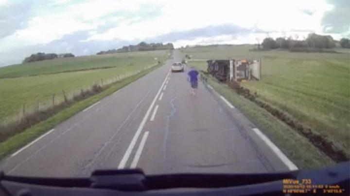 VIDEÓ: Nyaka köré tekeredett az öv a kamionosnak. Arra járó kolléga mentette meg