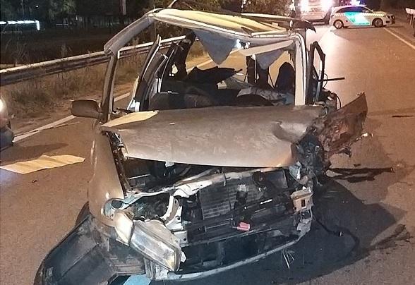FOTÓK: Halálos baleset volt tegnap a Nagykőrösi úton – Két autó frontálisan ütközött, egy motoros beléjük hajtott