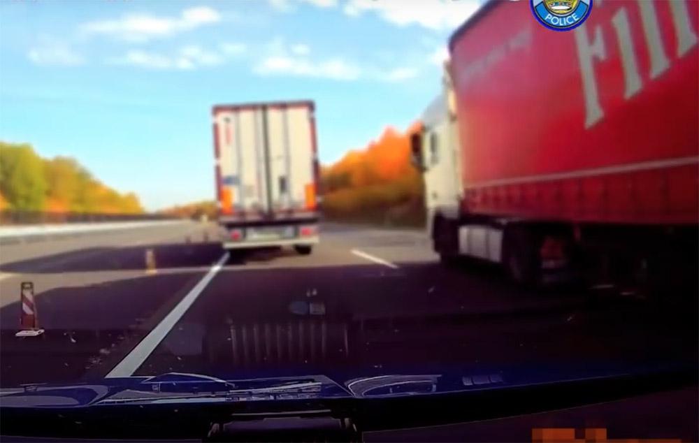 VIDEÓ: Tehergépkocsikkal előzők pofátlan(tan)ítása zajlott az M7-esen