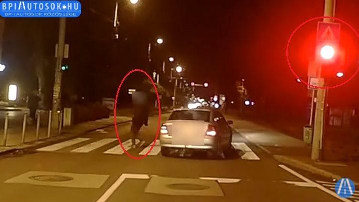 VIDEÓ: Ennyit ér egy ember élete?- Kis híján elgázolta a zebrán a gyalogost a piroson áthajtó tahó