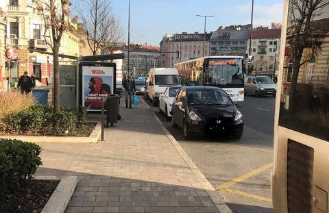 Ingyen parkolás a plázák parkolóiban, ingyen autózható M0-s – Enyhítene a parkolási káoszon a főpolgármester