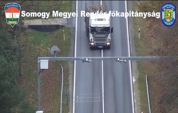 VIDEÓ: Ismét drónnal vadásztak a szabályszegőkre a rendőrök, ezúttal Somogy megyében