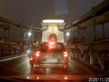 VIDEÓ: Robogós vs. autós csata a Lánchídon. Lehúzódni nem akart, sőt eléggé bepöccent a Citroen sofőrje