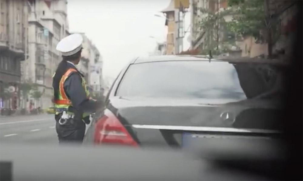 VIDEÓ: Ha érdekelnek a megbüntetett autósok magyarázatai, akkor ezt nézd meg