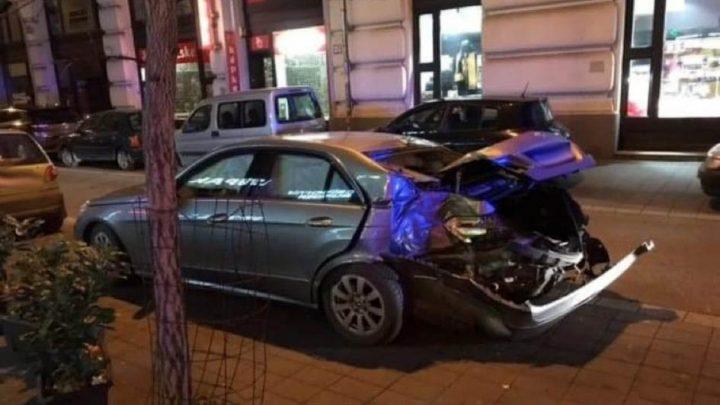 FOTÓK: Üldözéses baleset történt hajnalban az Astoriánál