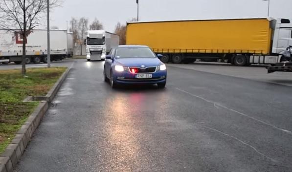 VIDEÓ: Már kamiont is használ pofátlanításra a Magyar Rendőrség – Pofátlan(TAN)ítás Extra
