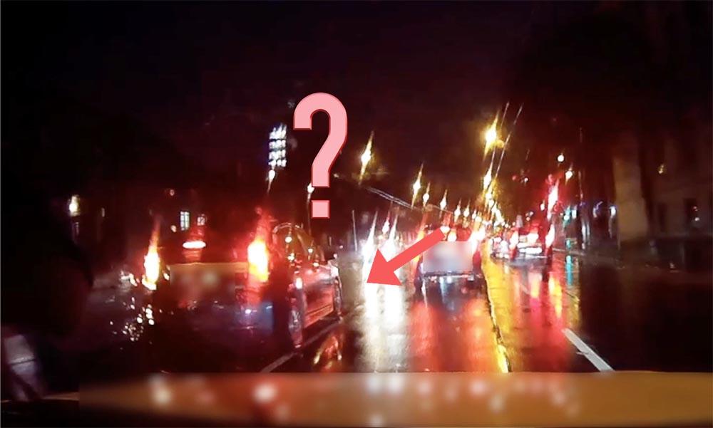 VIDEÓ: Forgalommal szembe megállva, az út közepén magyarázta az igazát a Dózsa György úton