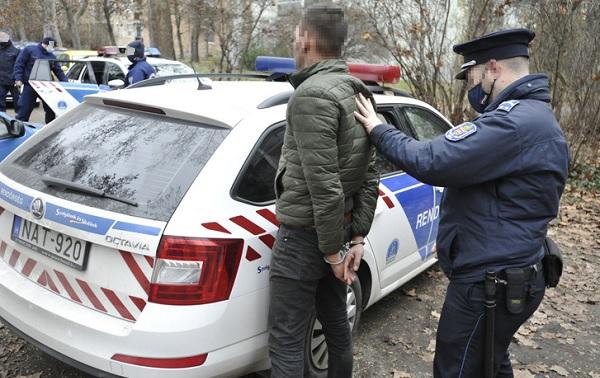 Igazoltatni akarták, de nem állt meg – Autós üldözés volt reggel a 20. kerületben