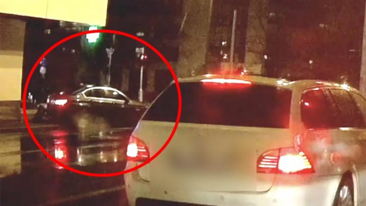 VIDEÓ: Szerencse, hogy csak egy kukát döntött ki a driftelő BMW-s