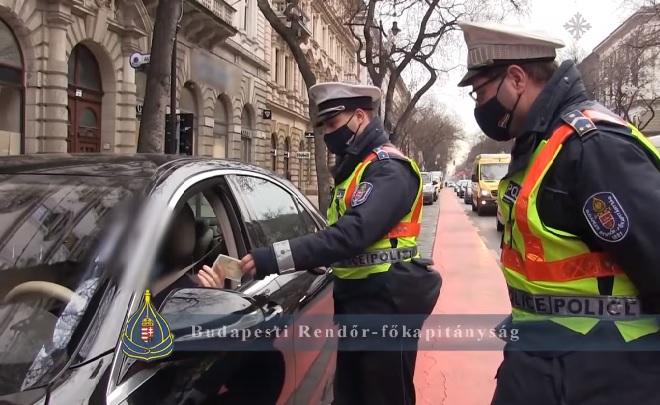 VIDEÓ: Ismét lecsaptak a buszsávot jogtalanul használókra – Folytatódik a BKK és Rendőrség közös akciója