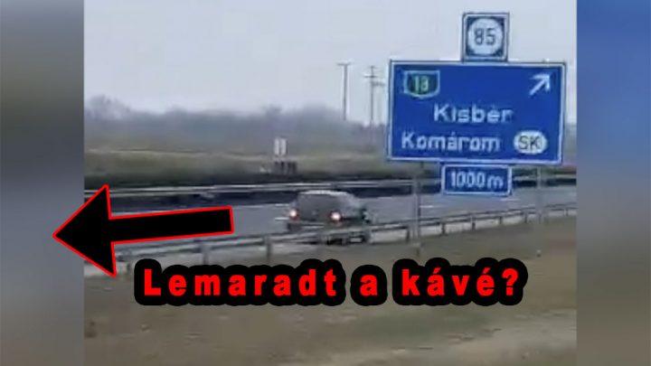 VIDEÓ: Talán kiment volna pihenni – A pihenőből kamerázták, ahogy tolatni kezdett az M1-esen