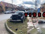 VIDEÓ: Tarolt a száguldó autós tegnap, mert elékanyarodtak