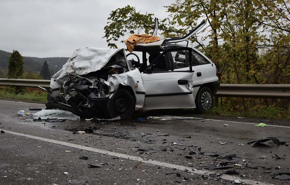 Idős házaspár halálát okozta a fiatal járművezető drogok és gyógyszerek hatása alatt