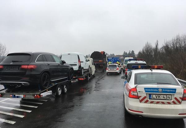 VIDEÓ: Több mint 1 milliós bírságot kapott az M3-as autópályán elfogott tréleres