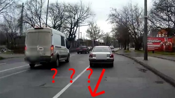 VIDEÓ: Buszsávban tolatott, a busz meg jött a Vágány utcában
