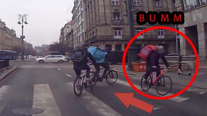 VIDEÓ: Hátrafelé haladva ment neki a bringás egy másik – zebrán áttekerő – kerékpárosnak