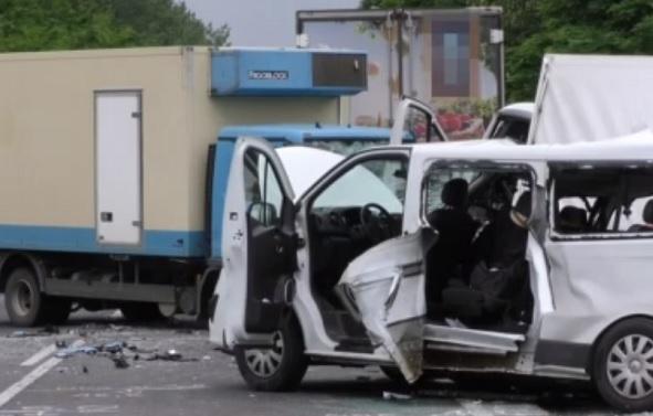 VIDEÓ: Öt év börtönre ítélték a sofőrt, aki fáradtsága miatt okozott halálos balesetet