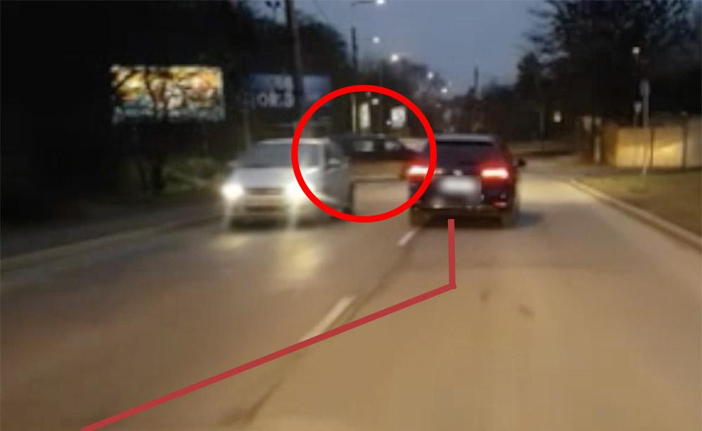 VIDEÓ: Erre nem igazán számított a kisbusz sofőrje a Szépvölgyi úton