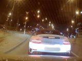 VIDEÓ: Büntetőfékezett, majd megállt a Porsche sofőrje és tovább büntetett