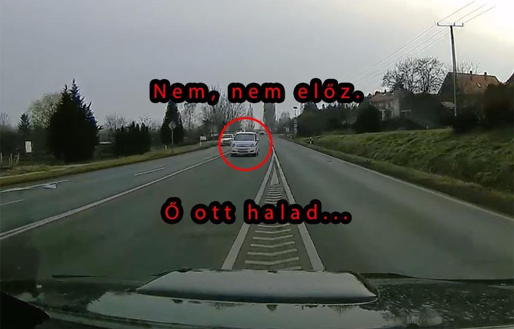 VIDEÓ: Saját sávjának hitte a szembesávot az Opel Meriva sofőrje a 71-es úton