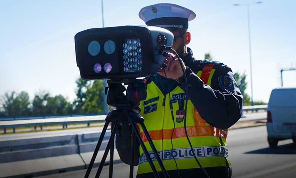 Több, mint 8000 gyorshajtót fogtak egy hét alatt a rendőrök