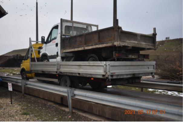 FOTÓK: Nem okult az esetből – Pár óra alatt kétszer kapott 500 ezres bírságot az M3-son egy román sofőr