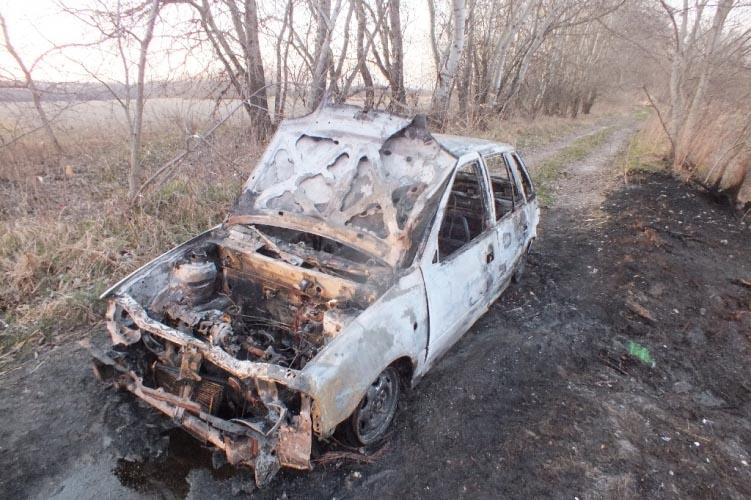 Kigyulladt kocsiját hagyta magára Tökölnél a 22 éves férfi, ezért hatalmas terület gyulladt ki