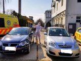 Két autósnak is sikerült egyszerre beparkolnia a mentősök helyére