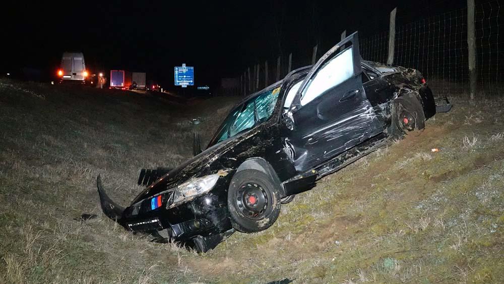 Öt autóval ütközött a forgalommal szembe hajtó autós az M5-ösön