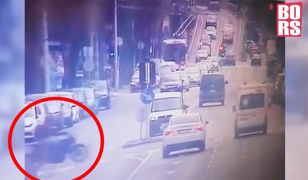 Videón a tegnapi halálos motor – mentőautó baleset