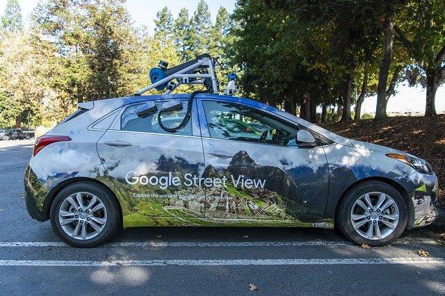 Frissítik a Street View-t – Ismét üzembe állnak Magyarországon a Google autói
