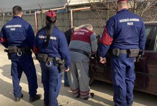 Korrupt vizsgabiztosokat kaptak el egy Pest megyei vizsgaállomáson