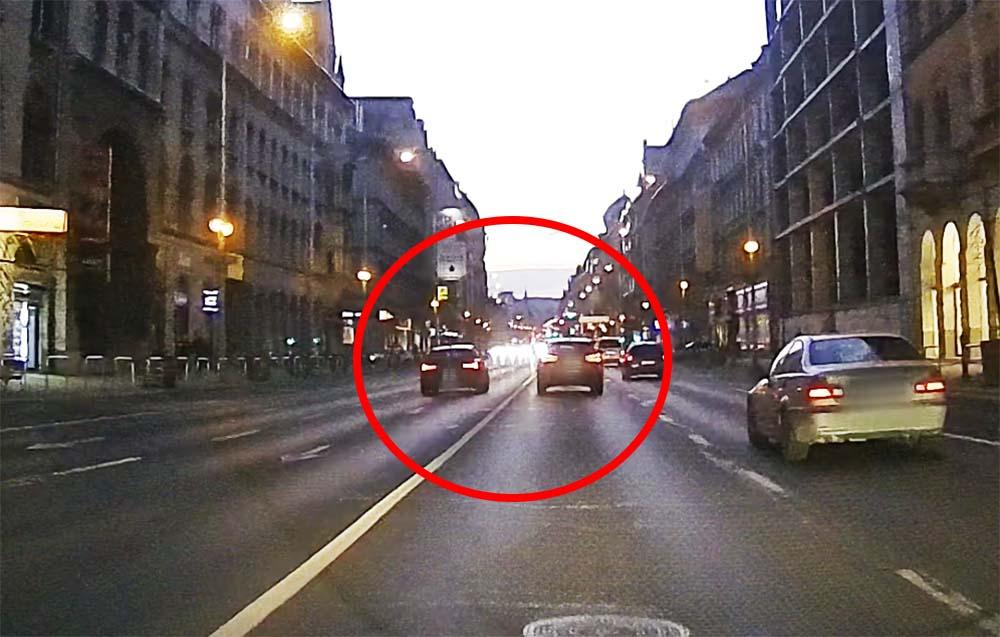 VIDEÓ: Adok-kapok, ahol megint nem számított a többi közlekedő biztonsága