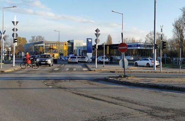 Több kerületen át menekült autójával egy körözött bűnöző az őt üldöző rendőrök elől