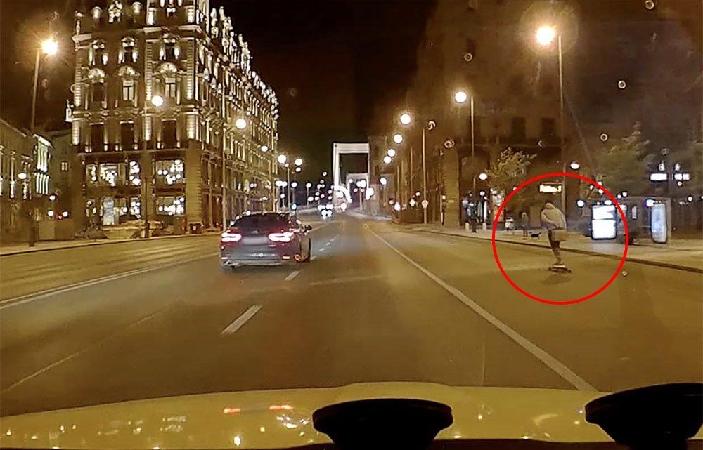 """VIDEÓ: """"A régi """"Úttörő áruház""""-tól a Ferenciek teréig nem értük utol a gördeszkást"""""""