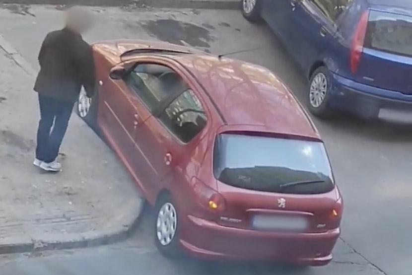 VIDEÓ, AMIN PÖRÖG A NET:  Kabarévá fajult egy budapesti parkolás