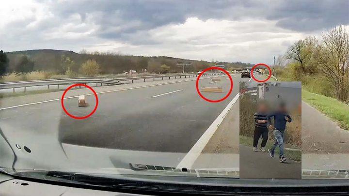 VIDEÓ: Rohantak a román kisbusz utasai az M1-esen elhagyott dobozokért