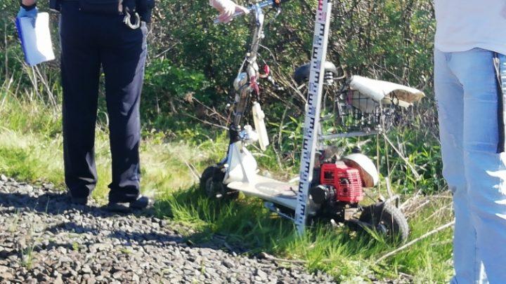 FOTÓK: Motoros rollerrel közlekedő férfit gázolt halálra a vonat Pápa külterületén