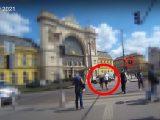 Meglepte a szabálytalan gyalogosokat, hogy büntettek is a testkamerával felszerelt rendőrök