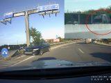 VIDEÓ: Az egyik szembe ment, a másik tolatott az autópályán