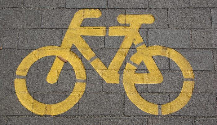 Önmagát veszélyeztette, azért kapott büntetést a Bajcsy-Zsilinszky úton eleső biciklis