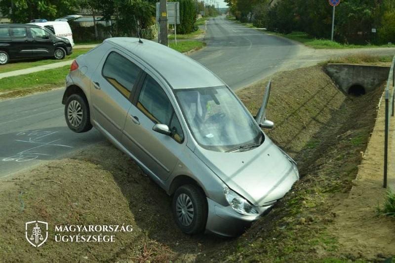 FOTÓK: Kétszer elítélték, de harmadszorra is ittasan ült volán mögé, ráadásul balesetezett is