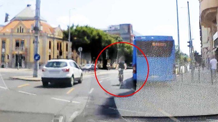 VIDEÓ: Az ilyenek miatt tartanak sokan a normális kerékpárosoktól. Extrém módon kamikaze