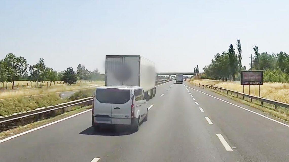VIDEÓ: Elégtételt vett a Ford sofőrje, mert a kamionos szabálytalanul feltartotta